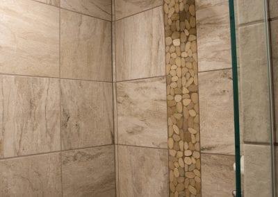 Elk Lodge walk-in shower